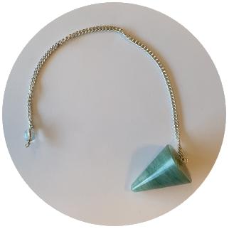 pendelen met een groene aventurijn stenen pendel
